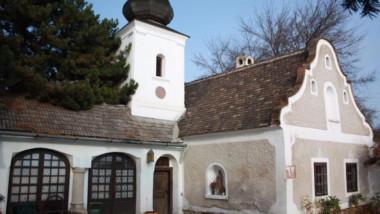 Eladó egy templomos lovag kastélya Paloznakon