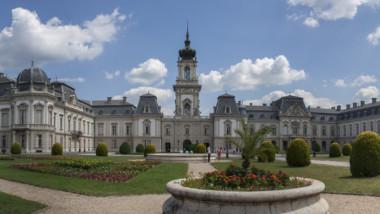 Teljesen helyreállítják a keszthelyi Festetics-kastély egykori parkját